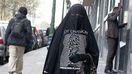 Unknown pleasures burka